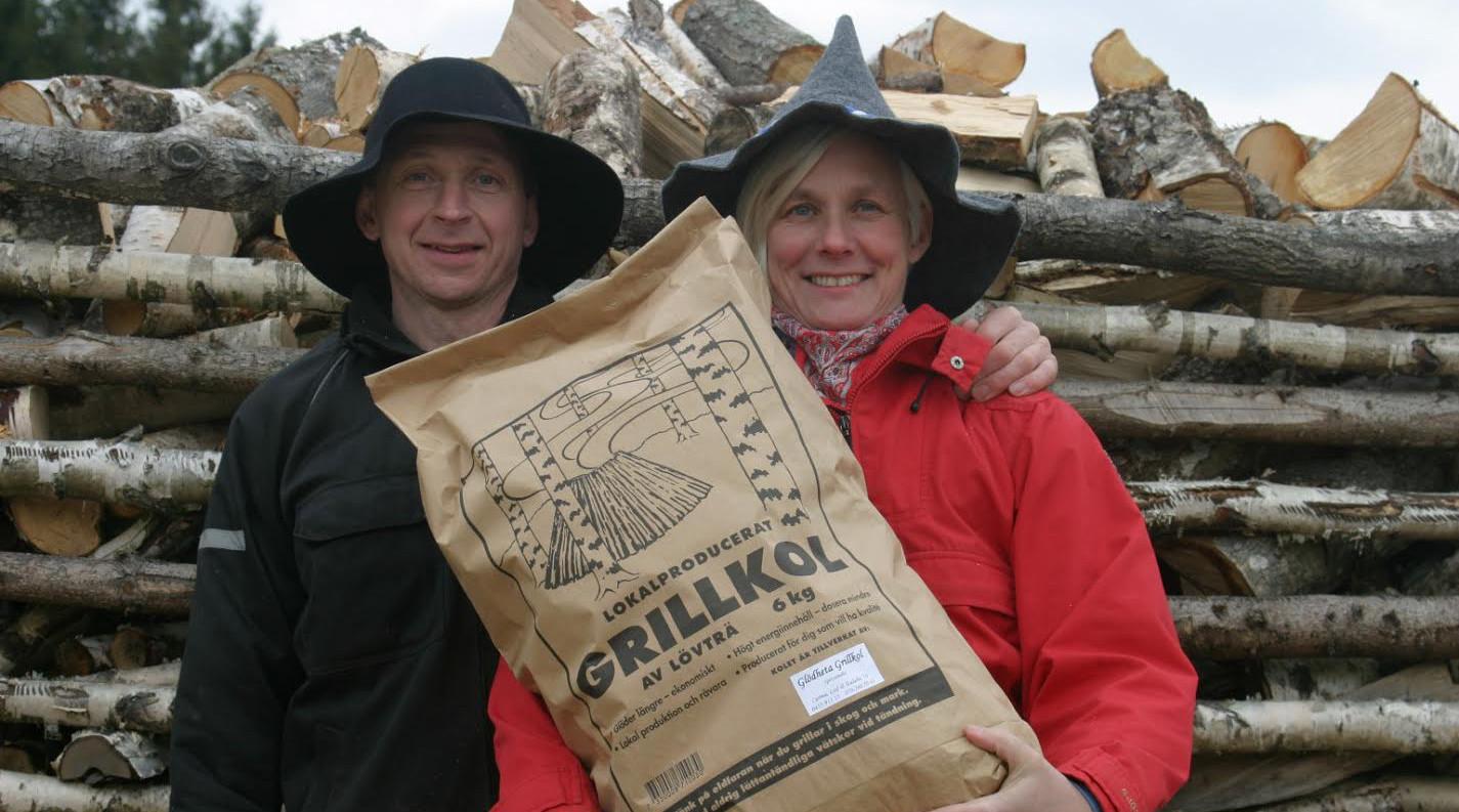 Vi tillverkar grillkol av högsta kvalitet lokalproducerat