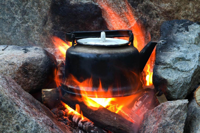 Kaffe över öppen eld på Branta Berg